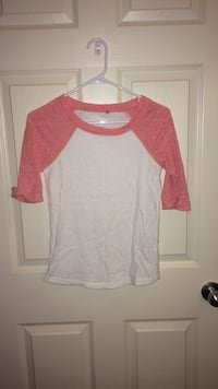 Girl's pink and white elbow sleeve shirt