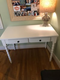 White Desk with Barley Legs & 2 Drawers- Excellent Condition Washington, 20002