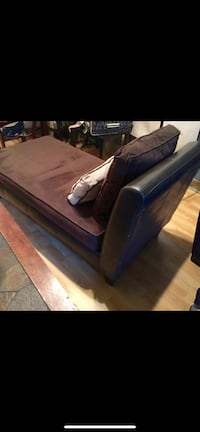 Brown Leather Chaise Lounge / Style-Line Furn., Inc. Farmers Branch, 75244