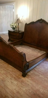 King size bed set very well made Manassas