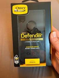 New OtterBox Defender Series For iPhone XR Toronto