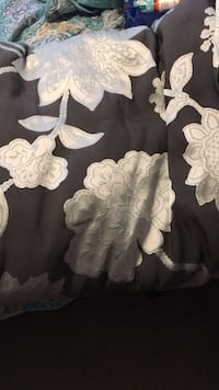 Queen size comforter gray with white flowers! Brandon, 33510