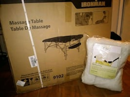 Full size massage table with  NRG fleece pad n  face cover