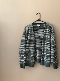 gray and black stripe sweater Hampstead, H3X 2G2