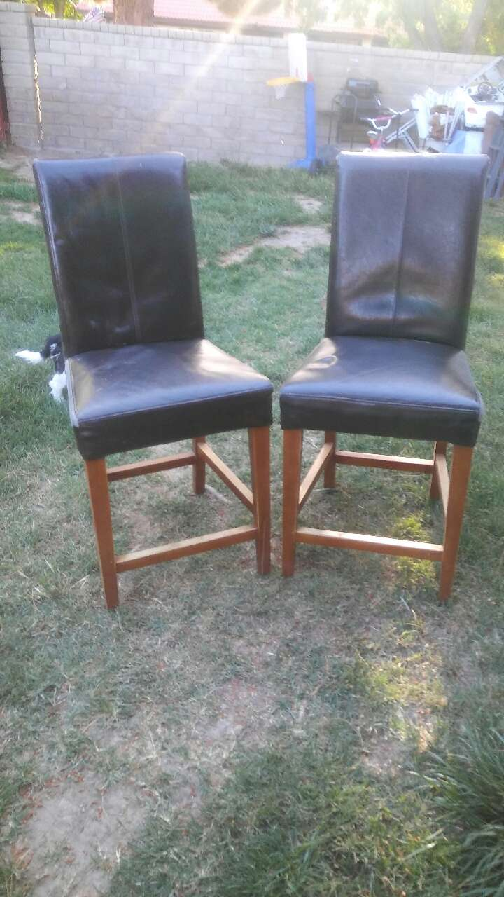 Letgo two black leather parsons chairs with in lane ca for Black leather parsons chairs