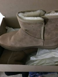brown suede mid-calf snow boots with box Washington, 20006