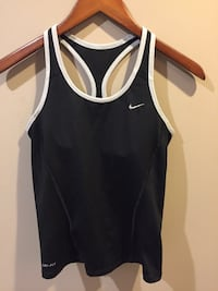 Nike Dri-Fit Sports size small excellent condition Ajax, L1T 3X5