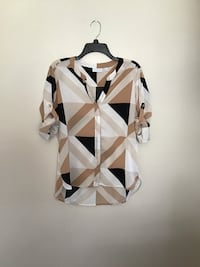 Women's New York & Co.long sleeve button up blouse...Size small