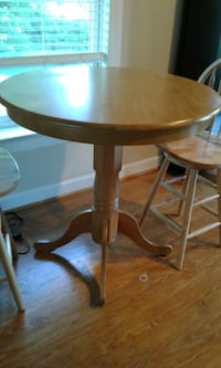 Counter Height Pub Table with 2 Chairs  Damascus