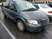 2005 Chrysler Town & Country Stow Go TV  Bowie