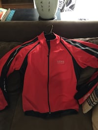 Gore soft-shell bike jacket (letgo replies are not working so moved to Craigslist ) Silver Spring, 20902