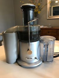 gray and black Breville power juicer Austin