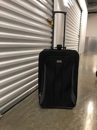 Black carry on luggage excellent condition Washington, 20002