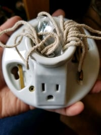 Porcelain lampholder wiring devise with grounding  Seattle, 98168