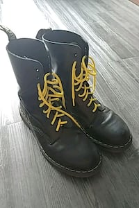 pair of black leather work boots Vancouver, V6A 0A7