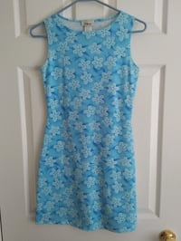 blue and white floral sleeveless dress Toronto, M5J