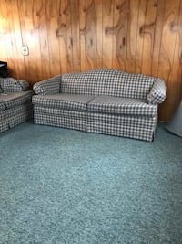Couch and love seat Southgate, 48195