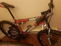 2002 Rocky Mountain Slayer (mint) mountain bike Vancouver, V6E 1R7