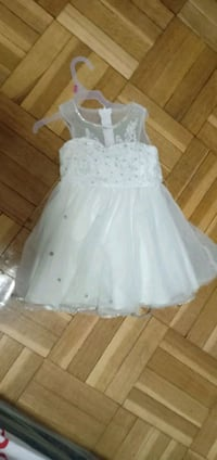 White party wear frock for 2 to 3 yrs old girl Toronto, M1L 2N5