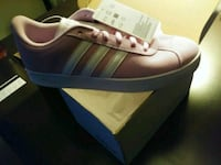 pink and white Adidas Gazelle shoe with box Auburn, 98002