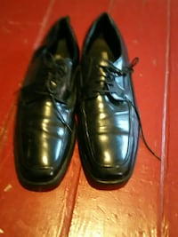 pair of black leather shoes Newport News, 23607