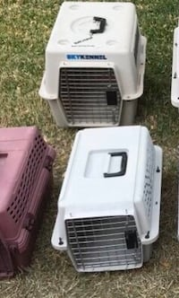 Pet Carriers / Cages - Very Nice & Clean Condition