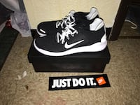 black-and-white nike running shoes size 14 North Braddock, 15104