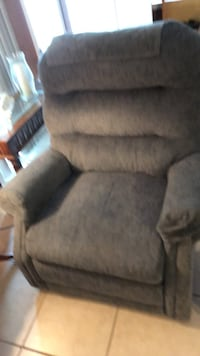 Lift chair recliner. Works great wonderful chair besides being able to lift and help a person get up easily Sulphur