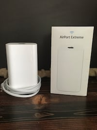 Apple wireless router new w/ box New Florence, 15944