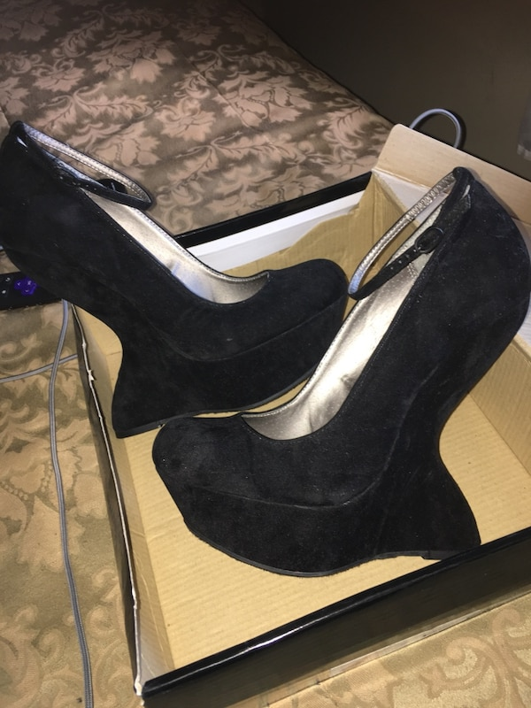 064278b405d Used Pair of black suede Dollhouse wedges for sale in Columbia - letgo