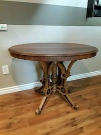 Beautiful rare style antique oval table Milton, L9T 3X7