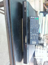 DVD player with controller  San Diego, 92105