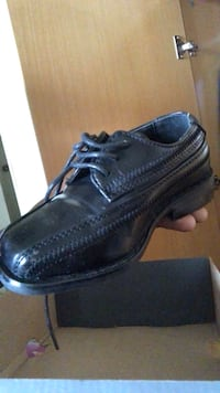 pair of black leather dress shoes New York, 10451