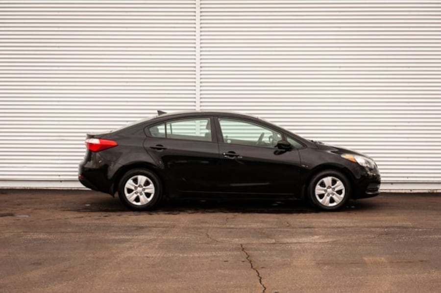 2015 Kia Forte LX / MANUAL / CLOTH 204e6763-803b-4a47-9cd6-29a1bd40889c