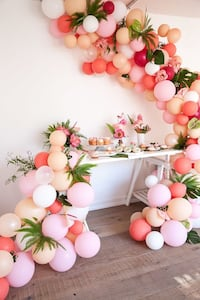 Balloon decor  Sandy Springs, 30328