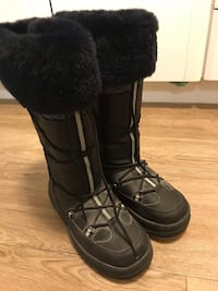 Black Winter boots Ottawa, K2B 8A4