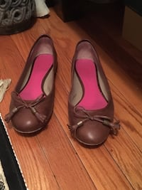Roots leather flats size 8.5 with box  Oakville, L6H 1Y4