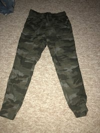 Women's Camouflage joggers from garage. Size small Pickering, L1W 2Z6