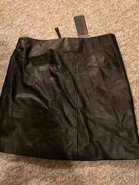 Leather looking skirt Barrie, L4N 0A5