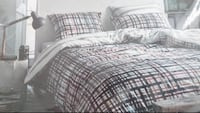 Esprit queen duvet cover 100% cotton  Edmonton, T6W 0E9
