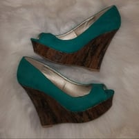 *NEW* Sude Teal Peep Toe Shoes Sz 8
