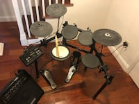 Yamaha DTX520K electronic drumset with Simmons DA50 drum amp Rockville, 20852