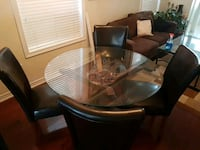 Dinning table (with 4 chairs)  Brampton, L6V 4N9