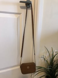 Mk small sling bag- used twice Toronto, M2N 7G9