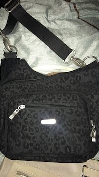 black and gray leather crossbody bag Stratford, N5A 6E6
