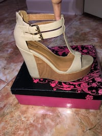 NUDE WEDGE - size 8.5 New Orleans, 70127