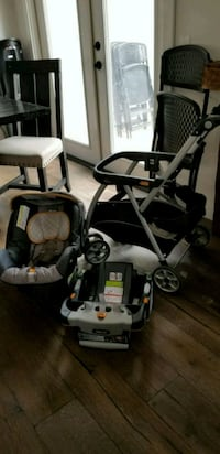 Chicco carseat with base and stroller Escondido, 92027