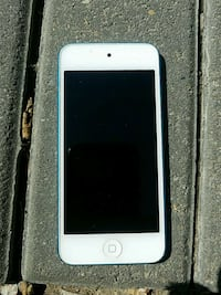 white iPod touch 5th gen Edmonton, T5H 0N7