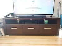 LIKE NEW-250 obo-Wooden TV stand with 3 drawers Vancouver, V6K 4W6