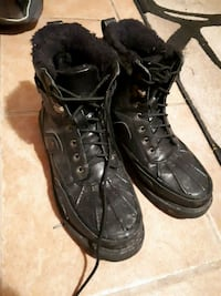 pair of black leather duck boots Regina, S4N 3Z9